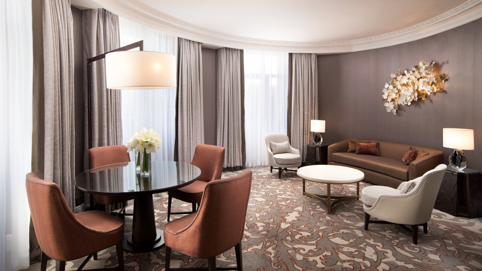 EXECUTIVE SUITE LIVING ROOM AT THE WESTIN PALACE, MADRID