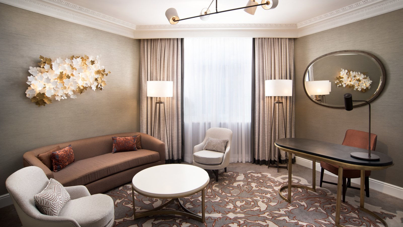 JUNIOR SUITE LIVING ROOM AT THE WESTIN PALACE, MADRID